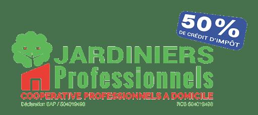 Paysagiste à Lyon membre d'une coopérative de professionnels à domicile