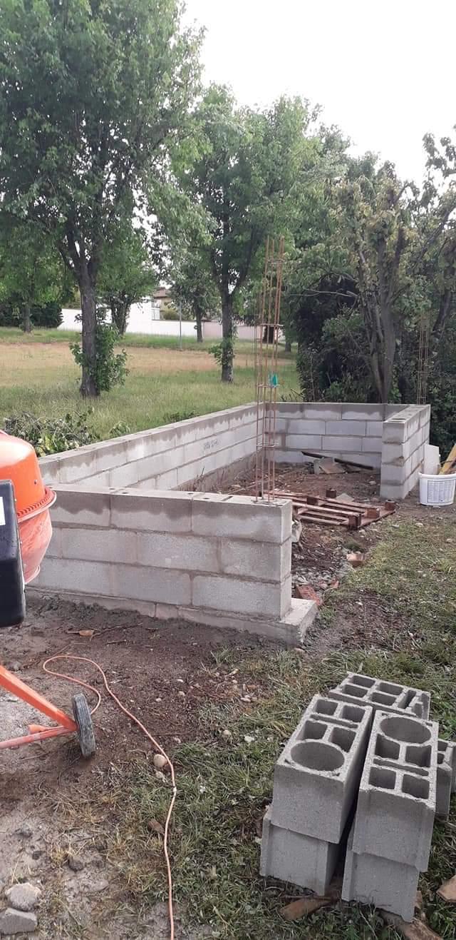 Début de la construction de l'abris